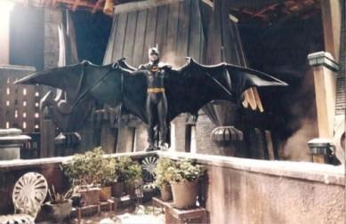 batman-returns-bat-wings-e1375149203379